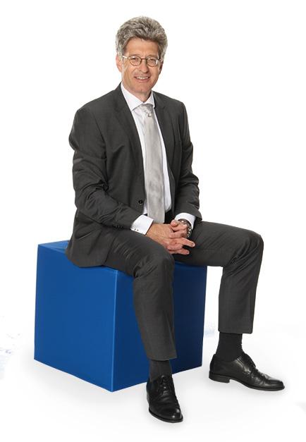 Dr Michael Kalle